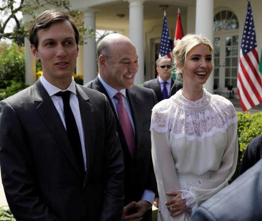 Les conseillers Jared Kushner, Gary Cohn et Ivanka Trump, à la Maison Blanche, le 5 avril.