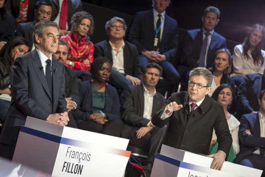 François Fillon (à gauche) et Jean-Luc Mélenchon (à droite), le 4 avril au studio de La Plaine Saint-Denis.