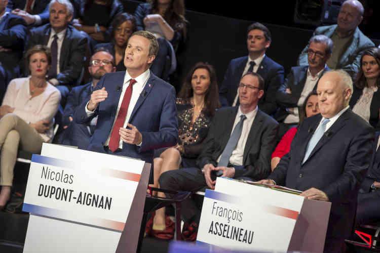 Nicolas Dupont-Aignan a rappelé à François Fillon, qui venait de déclarer qu'il l'avait connu comme collaborateur de François Bayrou : « Prenez garde à ce que vont décider les Français. »