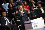François Fillon sur le plateau du débat de BFMTV et CNews, rassemblant les onze candidats à l'élection présidentielle à Aubervilliers, le 4 avril.