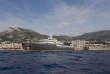 Long de 80 mètres, le navire d'expédition «Yersin», devant le port de Monaco.
