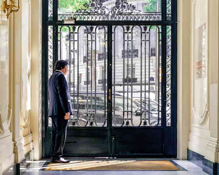 """Jean-Emmanuel Derny, Syndicat national des agents de recherches privées :« L'affaire la plus fréquente est :""""Pouvez-vous suivre ma femme ?""""»"""