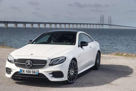 Le nouveau coupé Classe E coûte entre 55000 et 100000 euros.