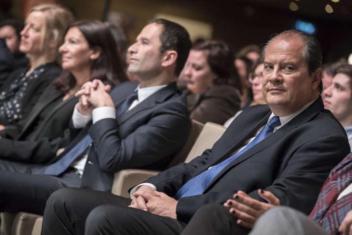 Anne Hidalgo, Benoit Hamon et Jean-Christophe Cambadelis participent à la convention d'investiture à la présidentielle, à la Mutualité, à Paris, le 5 février.