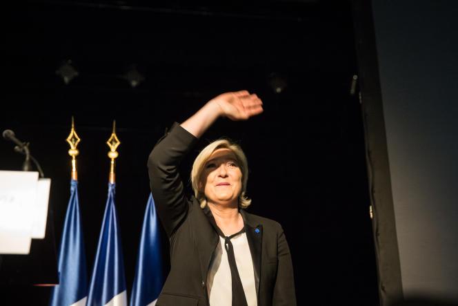 Marine Le Pen, à Monswiller (Bas-Rhin), le 5 avril.