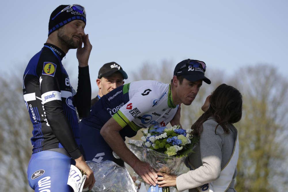 Sur le vélodrome de Roubaix le 10 avril 2016, Tom Boonen pense bien devenir seul recordman de victoires dans l'Enfer du Nord mais est devancé au sprint par l'inattendu australien Matthew Hayman. Dernière chance, ce dimanche.