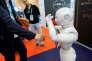 « La robotisation peut permettre une nouvelle forme de production et de redistribution des richesses» (Photo: le SIdO, showroom professionnel de l'Internet des objets, à Lyon, le 6 avril).