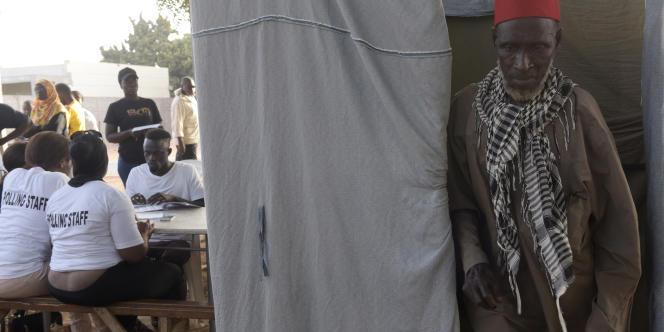 Un bureau de vote à Bakau, le 6avril 2017, lors des élections législatives en Gambie.