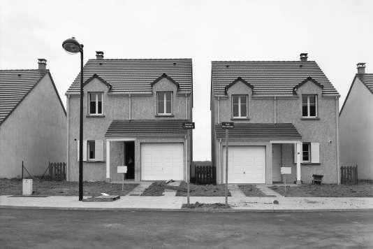 « Serris, Marne-la-Vallée, France, 1999», série « Aux portes du royaume», deJürgen Nefzger.