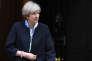 «Il va falloir à Theresa May toute la persévérance et la patience d'un coureur de fond pour venir à bout des difficultés qui semblent surgir sur le long chemin de retrait du Royaume-Uni de l'UE» (Photo: Theresa May, devant le 10 Downing Street, le 6 avril).