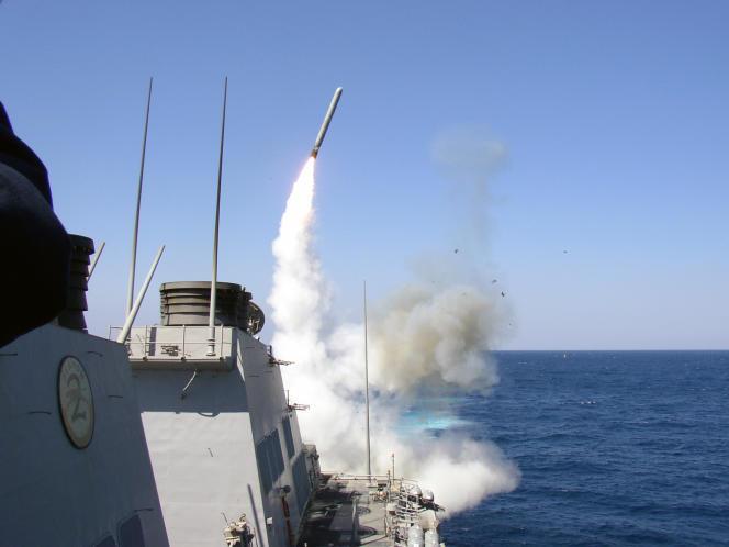 Après Khan Cheikhoune, les Etats-Unis avaient riposté dans la nuit du 6 au 7 avril, entirant 59 missiles de croisière Tomahawk depuis deux navires américains en Méditerranée vers la base aérienne d'Al-Chaayrate, près de Homs.
