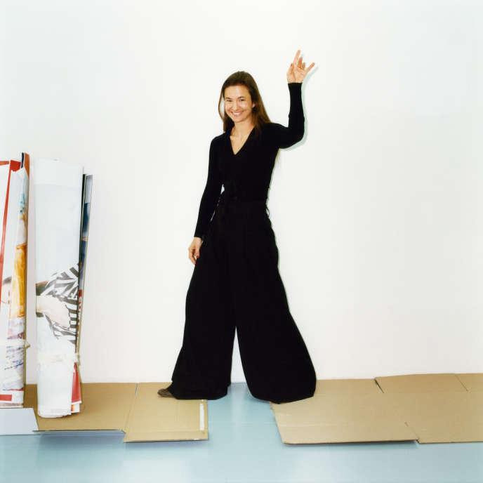 Magda Danysz, dans sa galerie, rue Amelot, à Paris, en mars.