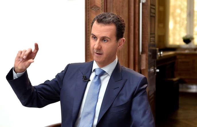 Le président syrien, Bachar al-Assad, donne une interview à un journal croate, à Damas, le 6avril.