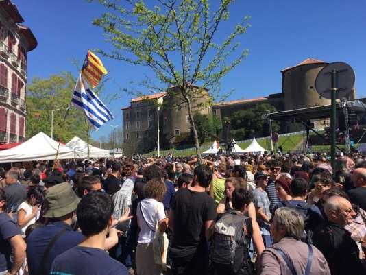Des milliers de personnes se sont réunies à Bayonne, beaucoup venant du Pays basque sud et d'Espagne.