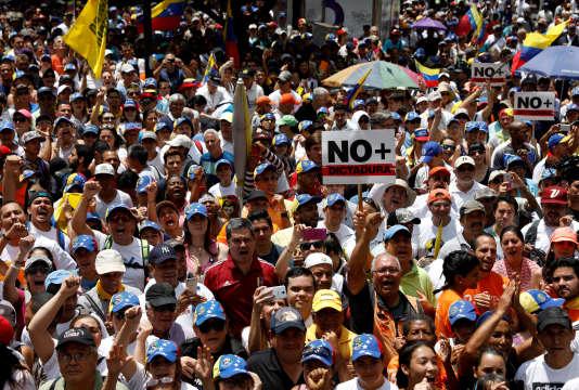 Lors de la manifestation contre le gouvernement du président Nicolas Maduro, à Caracas, le 8 avril.