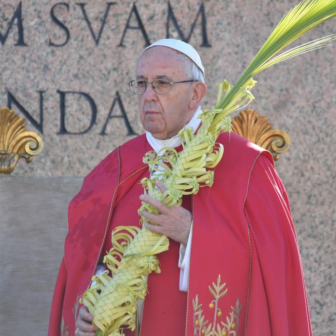 Le pape François, au Vatican, lors du dimanche des Rameaux le 9 avril.