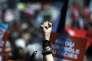 «L'idée est toujours celle d'une assemblée unique, détentrice de tous les pouvoirs sous le contrôle théorique du peuple, avec une inspiration sociale et même socialiste, celle du partage et de la lutte contre les privilégiés»(Photo: un participant au meeting du cnadidat de La France insoumise à Marseille, le 9 avril).