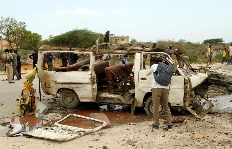 Dimanche, un kamikaze au volant d'une voiture bourrée d'explosifs avait foncé sur le convoi escortant le nouveau chef de l'armée somalienne.