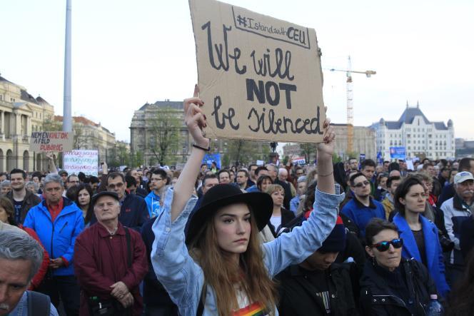 Les médias hongrois indépendants ont affirmé qu'il s'agissait de la plus importante manifestation depuis 2014.