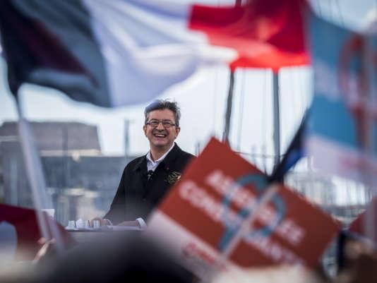 « Ce n'est pas la première fois que nous sommes si nombreux, si enthousiastes, mais un enthousiasme nouveau attise dorénavant notre ferveur, a déclaré Jean-Luc Mélenchon à Marseille, le 9 avril.