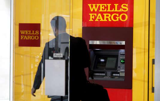 Un distributeur de la banque Wells Fargo à Denver, dans le Colorado, aux Etats-Unis, le 13avril 2016.