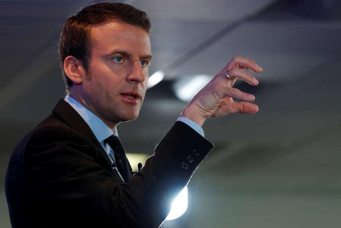 « Cette recomposition est, comme toutes les grandes ruptures, le produit de tendances de fond. La première résulte de la montée du Front national (…). La seconde trouve son origine dans le double processus d'affaissement électoral de la gauche et de fracturation idéologique sans précédent du PS» (Emmanuel Macron, le 10 avril).