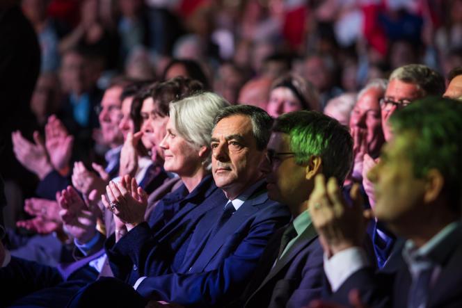 Penelope et François Fillon lors du meeting du candidat de la droite, à Paris, le 9 avril 2017.