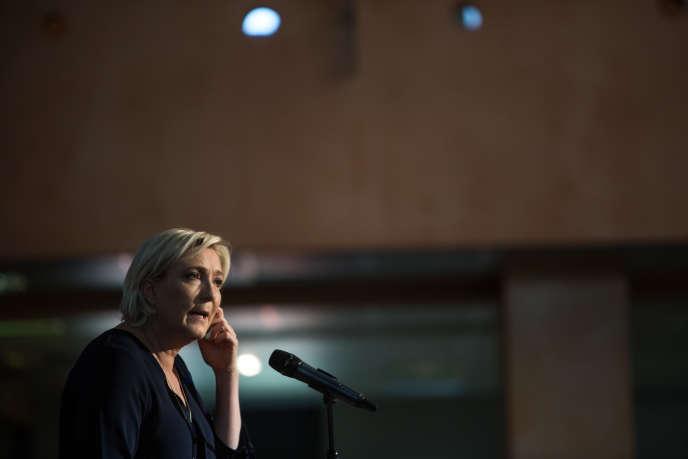 Marine Le Pen, le 8 avril, à Ajaccio.