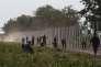 «Les propositions de Marine Le Pen sur l'immigration, du projet de réserver l'aide humanitaire aux pays qui limitent les flux d'immigrants à celui d'abaisser le nombre de demandeurs d'asile, rejoignent aujourd'hui la position officielle de l'UE» (Photo: construction d'une cmôture en Hongrie en 2015 à Beremend, en Hongrie).