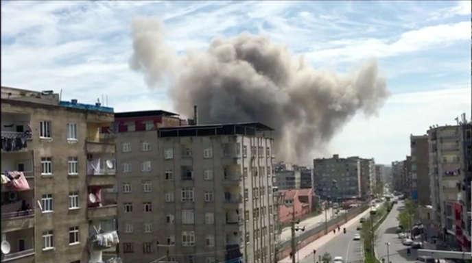 La déflagration s'est produite à cinq jours du référendum, dimanche, en vue du renforcement des pouvoirs du président, Recep Tayyip Erdogan.
