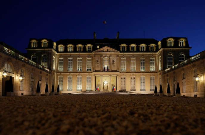 «On entend souvent affirmer un refus de participer au scrutin, notamment au second tour, au motif qu'une élection de Marine Le Pen ne serait pas aussi catastrophique que cela (...). Le régime de Weimar a péri, en 1933, à la suite de telles réactions» (Photo: le palais de l'Elysée à Paris).
