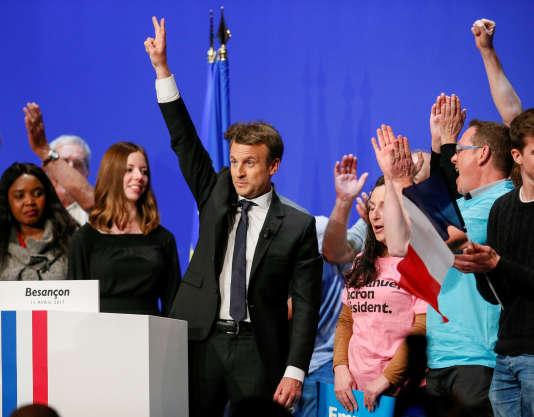 « La victoire de Marine Le Pen serait une catastrophe économique, sociale et démocratique. Le programme économique qu'elle défend entraînerait une régression historique pour les Français, notamment pour les plus modestes» (Photo: Emmanuel Macron, le 11 avril à Besançon).