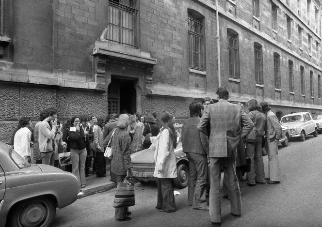 Devant le lycée Louis-le-Grand, à Paris, en juin 1974.