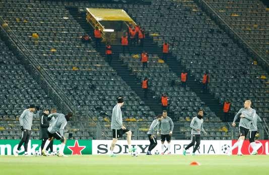Les joueurs de l'AS Monaco sont allés s'entraîner dans le stade de Dortmund après l'annonce du report.