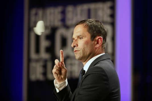 Benoît Hamon en meeting à Villeurbanne le 11 avril.