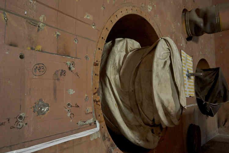 Dans l'un des quatre «tunnels»où étaient installées les pompes secondaires –des pièces de 25tonnes et de 12,5mètres de haut– et une partie des circuits secondaires de sodium. Ces cavités ont été vidées pour préparer le démantèlement de la cuve.