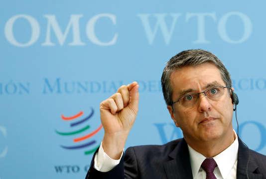 « Le commerce peut renforcer la croissance mondiale si la circulation des marchandises et la fourniture de services transfrontières se font quasiment sans entraves », a indiqué Roberto Azevedo, le directeur général de l'OMC.