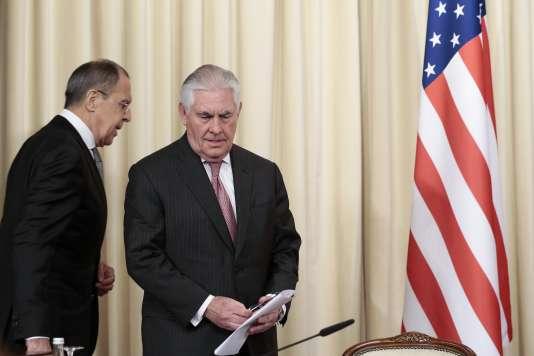 Le ministre des affaires étrangères russe, Sergueï Lavrov, et le secrétaire d'Etat américain, Rex Tillerson, à Moscou le 12 avril.
