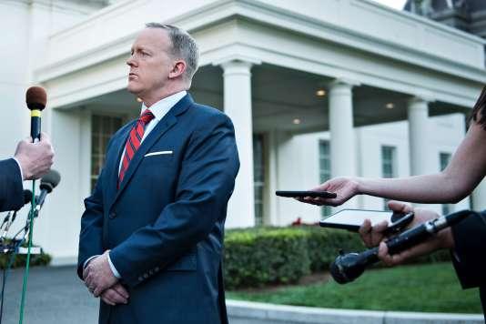 Le porte-parole de la Maison Blanche, Sean Spicer, s'explique sur ses déclarations concernant Bashar Al-Assad, à Washington, le 11 avril.