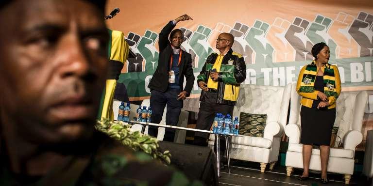 Le 12avril 2017, le président sud-africain, Jacob Zuma (veste tricolore), fêtait ses 75ans à Soweto.