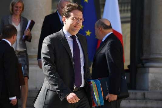 Le ministre de l'intérieur, Matthias Fekl, à la sortie de l'Elysée, le 12 avril.
