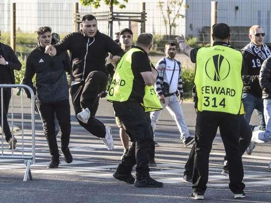 Un stadier du Parc OL est agressé par des supporteurs du Besiktas.
