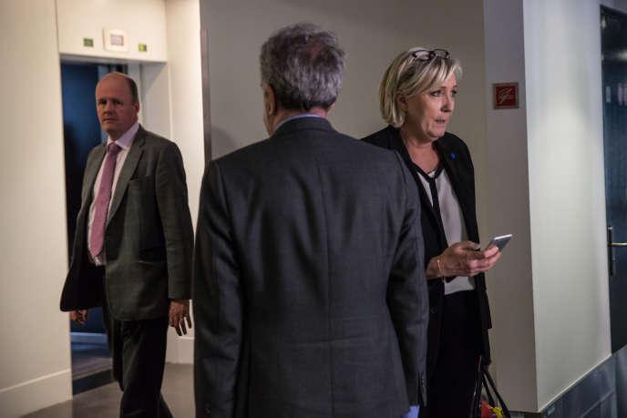 Marine Le Pen participe à une session plénière concernant le Brexit, au parlement européen à Strasbourg, le 5 avril.