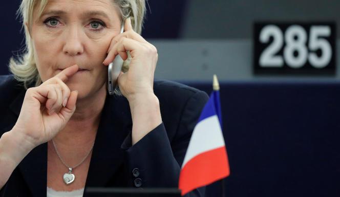 Le Parlement européen a déjà sanctionné Marine Le Pen pour avoir rémunéré comme assistante parlementaire européenne Catherine Griset, à une époque où cette dernière était la secrétaire, puis la chef de cabinet de la dirigeante du Front national.