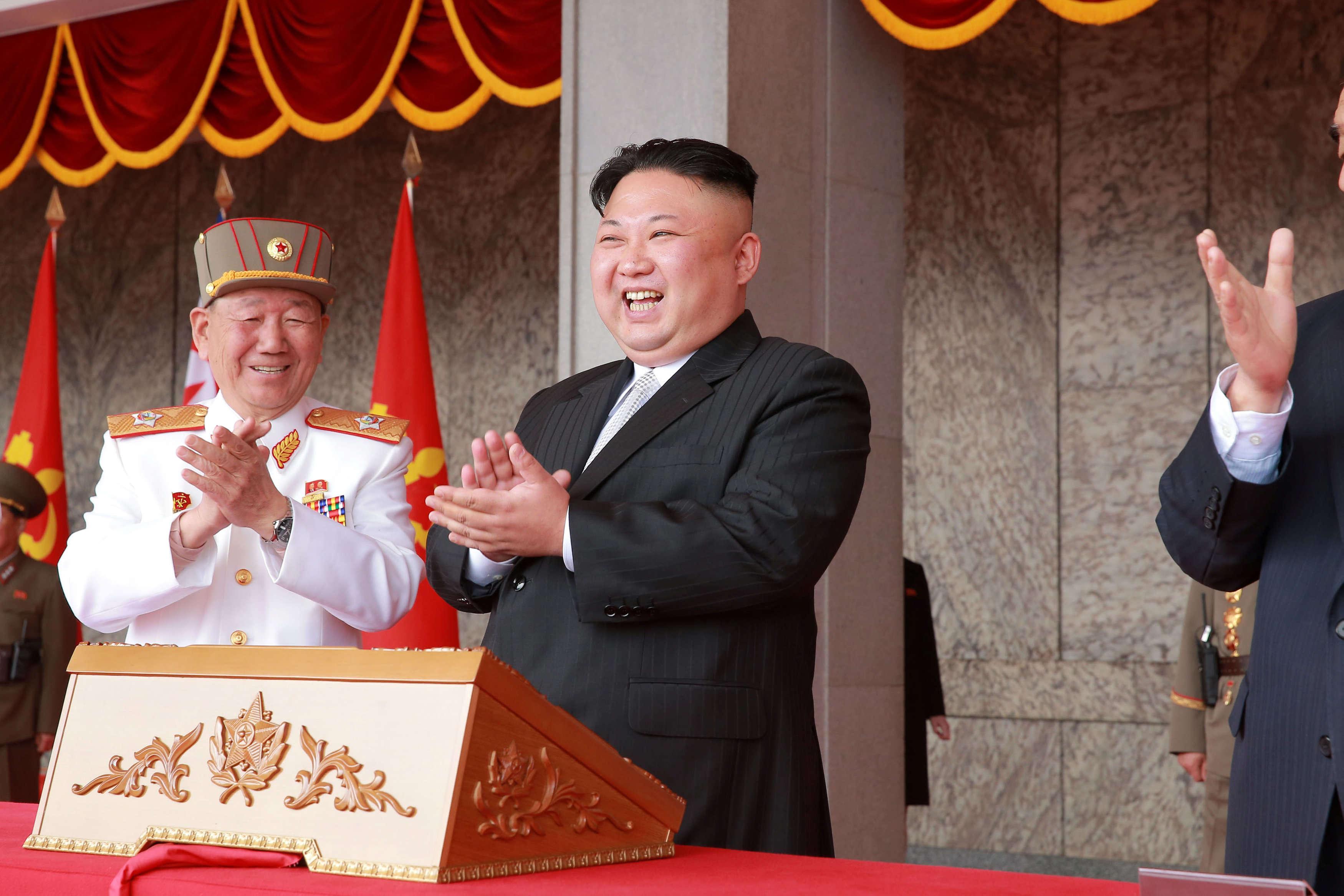 Le régime a célébré lejour du Soleil, le nom officiellement donné au jour de la naissance de Kim Il-sung (15 avril 1912–8 juillet 1994), grand-père de Kim Jong-un.