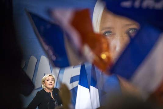 Marine Le Pen, candidate du FN, Front national, à la présidentielle 2017, participe à un meeting de campagne à Perpignan, samedi 15 avril 2017 - 2017©Jean-Claude Coutausse / french-politics pour Le Monde
