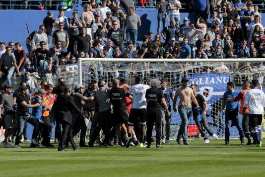 Bastia a décidé de fermer une de ses tribunes après les incidents face à Lyon.