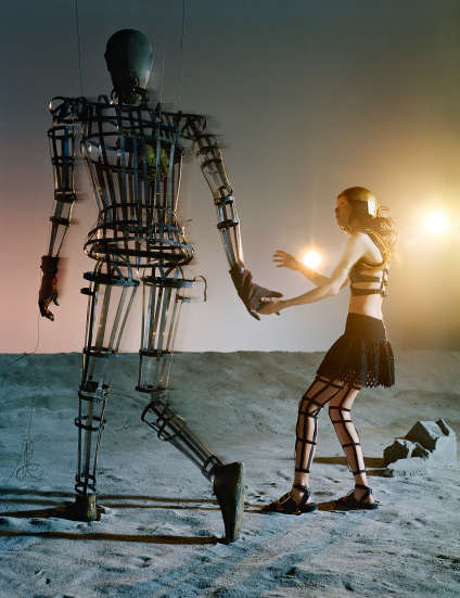 « Maria Carla & Mechanical Man », de Tim Walker (Londres, 2014).