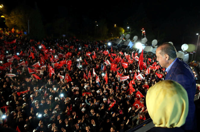 Tayyip Erdogan, le 16 avril à Istanbul.