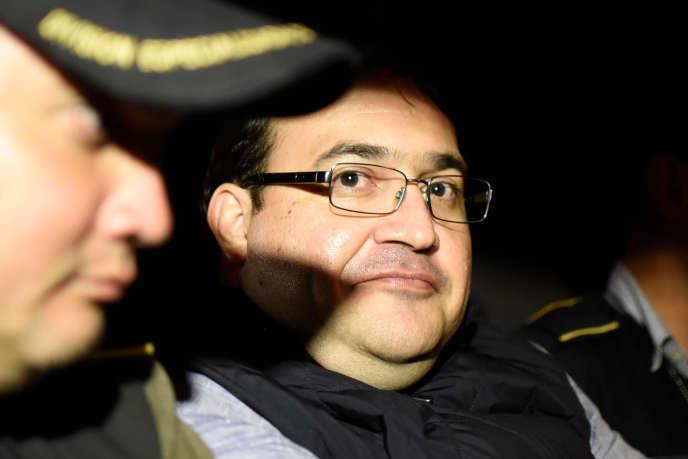 Javier Duarte, l'ancien gouverneur du Veracruz, après son arrestation à Guatemala City, le 16 avril.